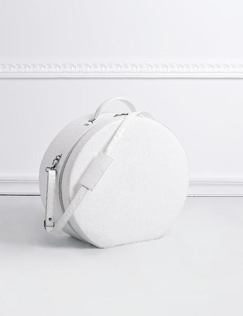Καπελιέρα γυαλιστερή λευκή κροκό με λουρί