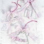 Κόσμημα μπιμπερό, καροτσάκι και φορεματάκι