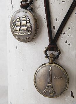 Ρολόι-τσέπης-με-ιστιοφόρο-και-πύργο-του-Άιφελ