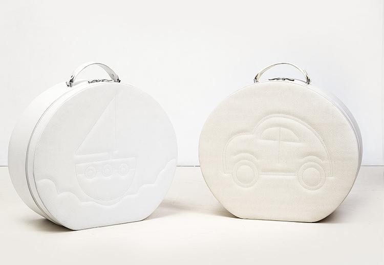 Καπελιέρα λευκή με κέντημα καραβάκι και αυτοκινητάκι