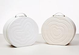 Καπελιέρα λευκή με κέντημα πεταλούδα και καρδιά1