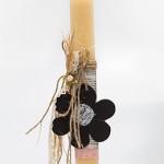 Πασχαλινή λαμπάδα με μαυροπίνακα λουλούδι